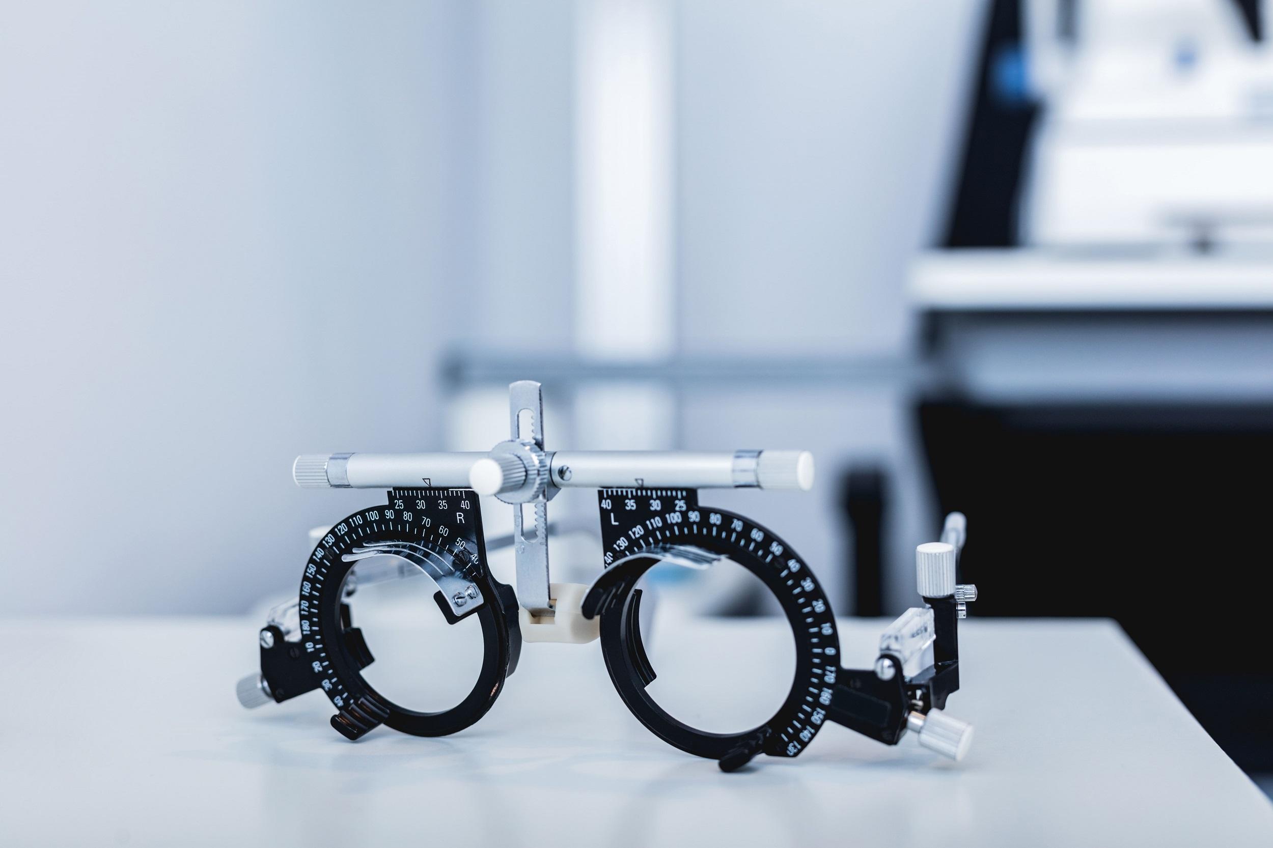 Bioptic low vision glasses